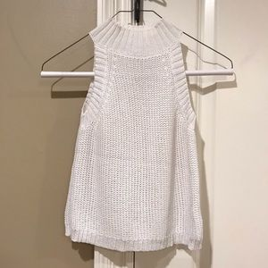 Olivaceous white knitted tank